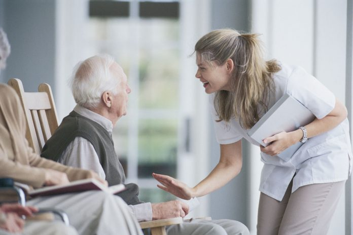 social worker in age care
